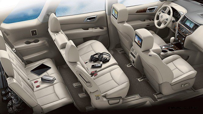2014 Nissan Pathfinder Platinum Inside and Out107