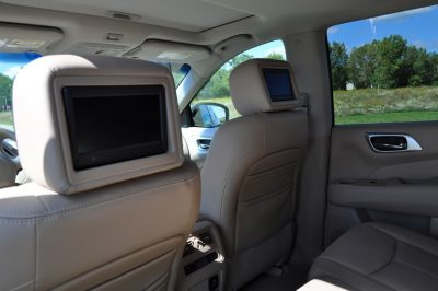 2014 Nissan Pathfinder Platinum Inside and Out14