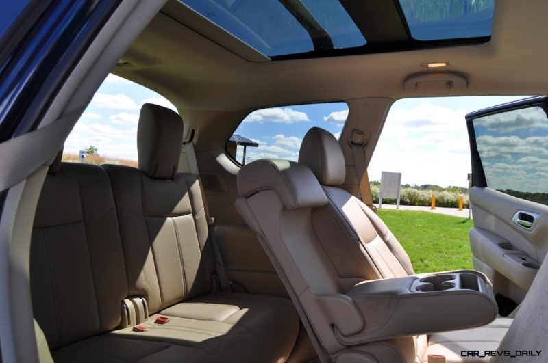 2014 Nissan Pathfinder Platinum Inside and Out3