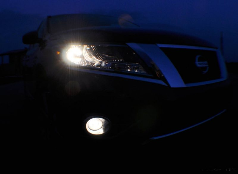 2014 Nissan Pathfinder Platinum Inside and Out37