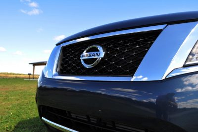 2014 Nissan Pathfinder Platinum Inside and Out42