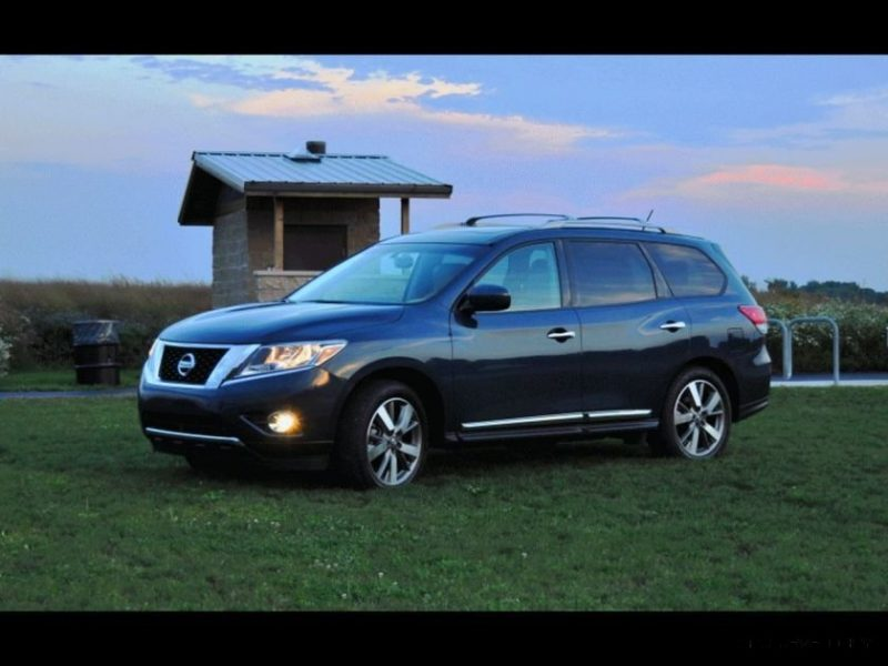 2014 Nissan Pathfinder Platinum Inside and Out68