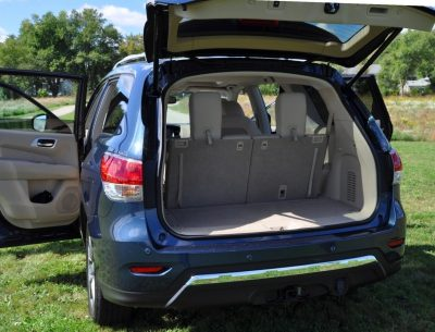 2014 Nissan Pathfinder Platinum Inside and Out7