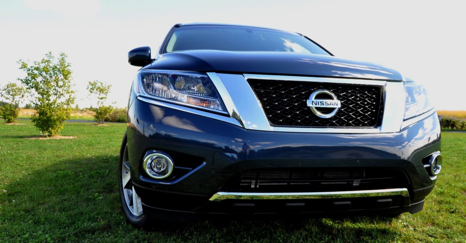 2014 Nissan Pathfinder Platinum Inside and Out85