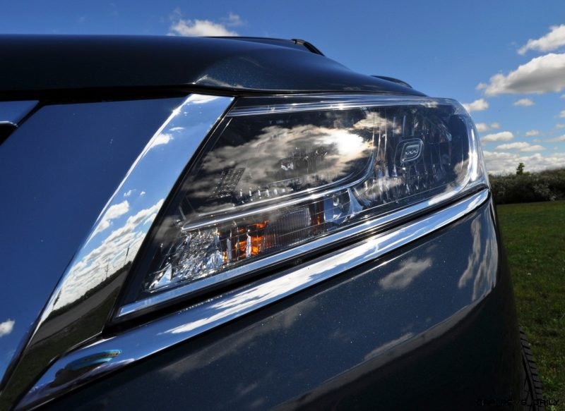2014 Nissan Pathfinder Platinum Inside and Out88