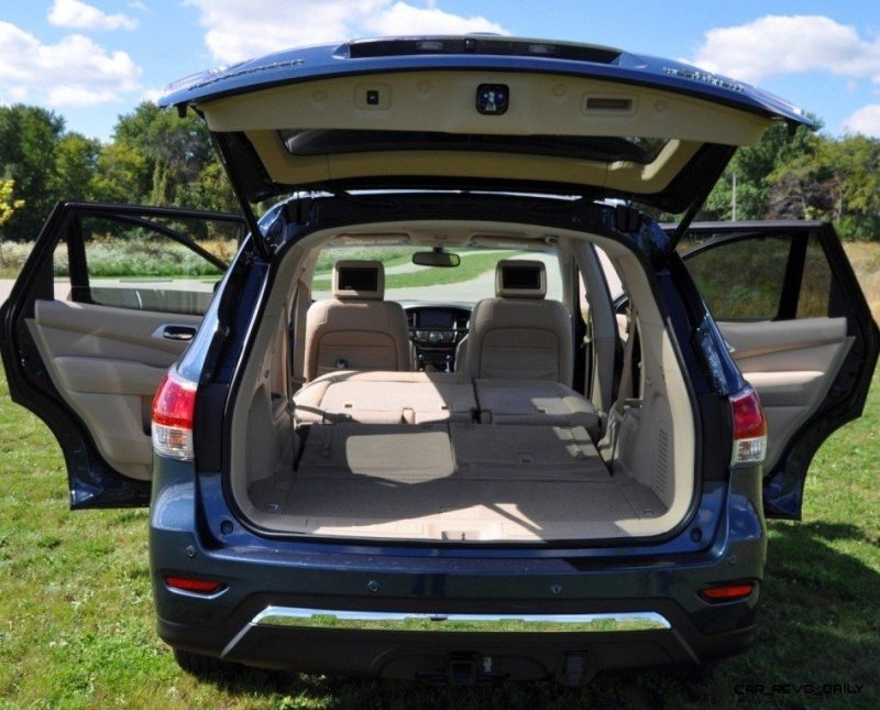 2014 Nissan Pathfinder Platinum Inside and Out9