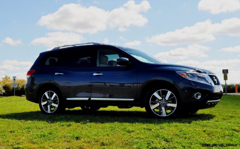 2014 Nissan Pathfinder Platinum Inside and Out93