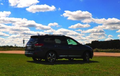 2014 Nissan Pathfinder Platinum Inside and Out96
