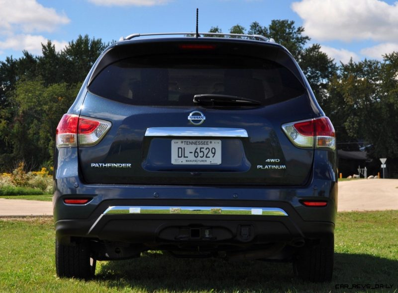 2014 Nissan Pathfinder Platinum Inside and Out99