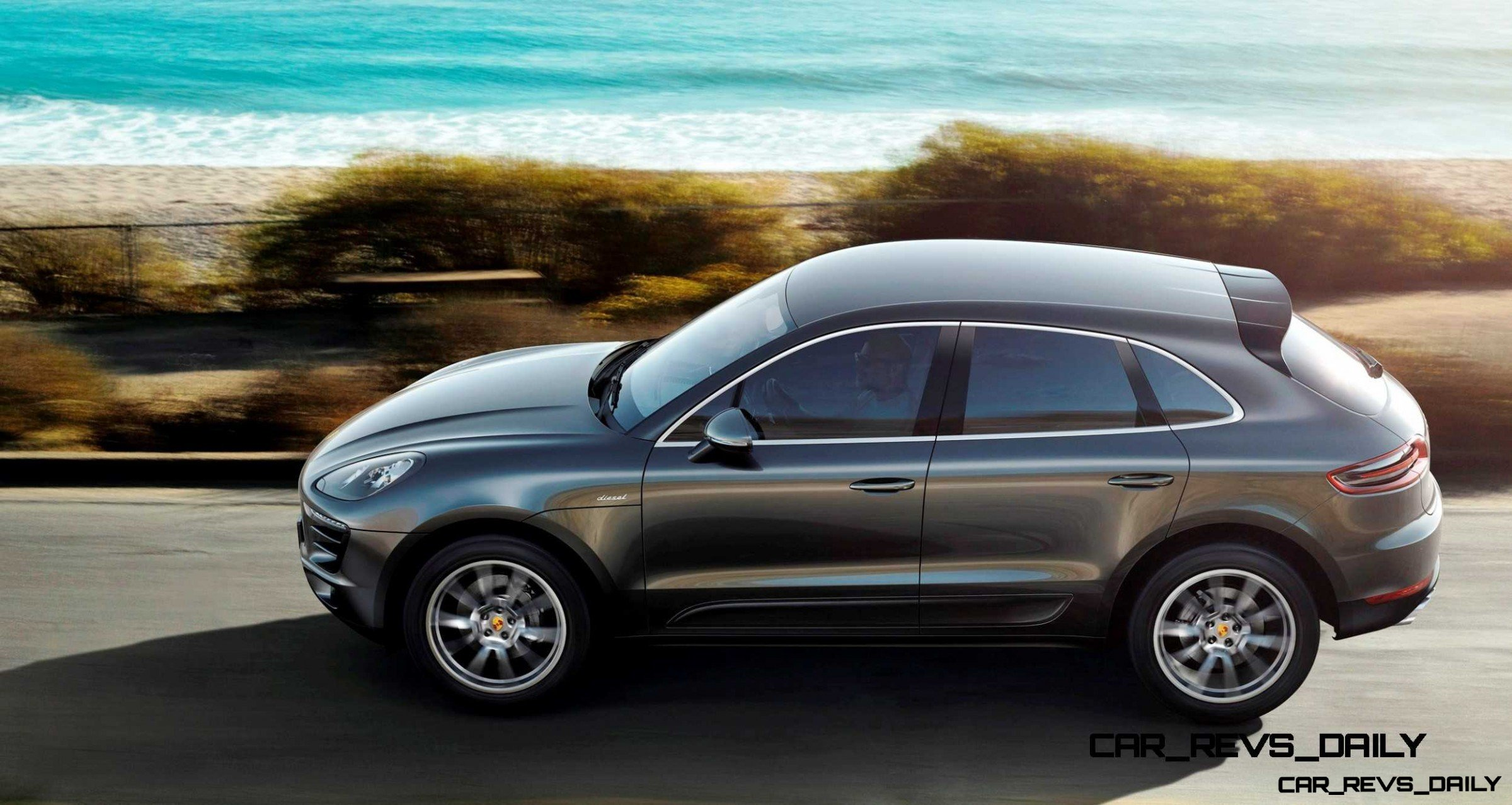 2014 Porsche Macan Turbo and Macan S - Official Debut Photos11