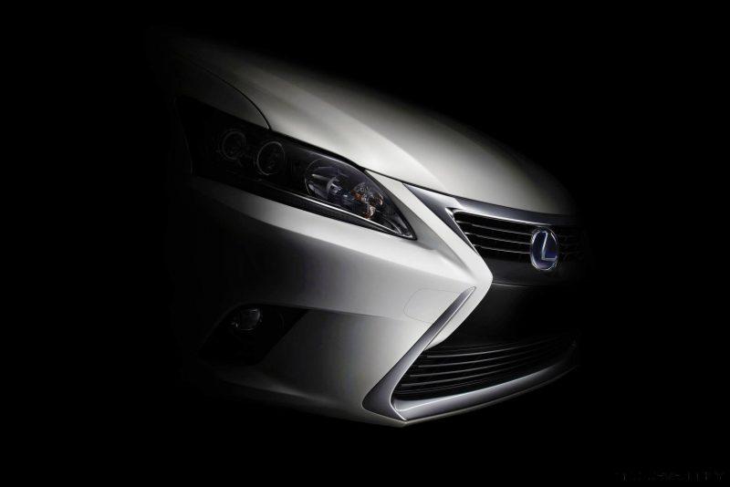 2014_Lexus_CT_200h_010