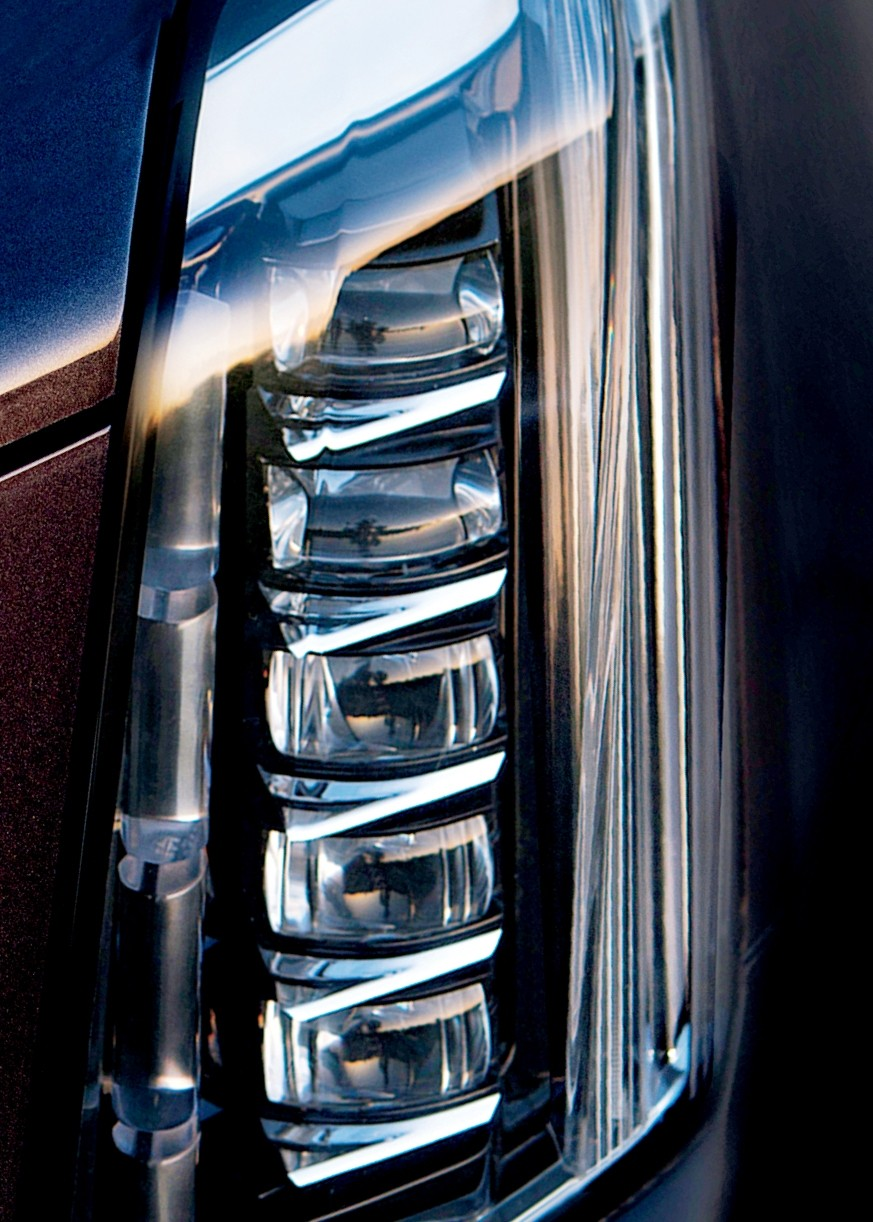 2015 Cadillac Escalade Headlight