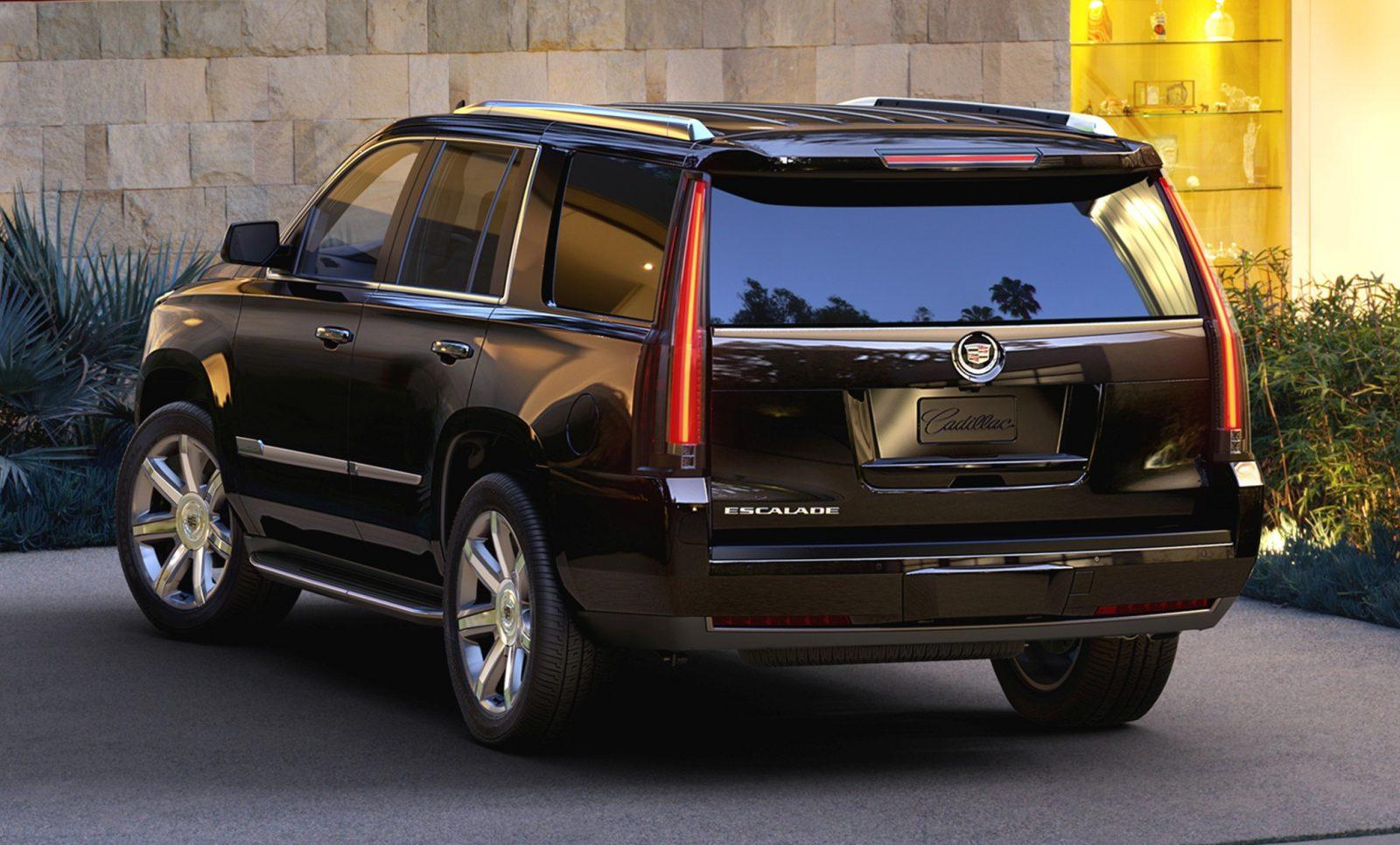 2015 Cadillac Escalade In-Depth Review + Mega Galleries35