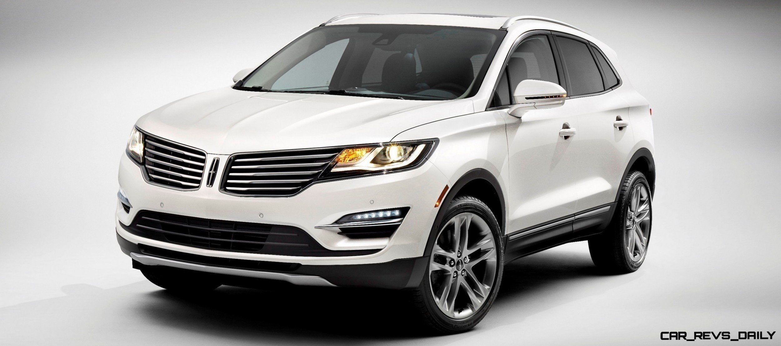 2015 lincoln mkc crossover a cool mix of infiniti and audi from 34 000 car revs. Black Bedroom Furniture Sets. Home Design Ideas