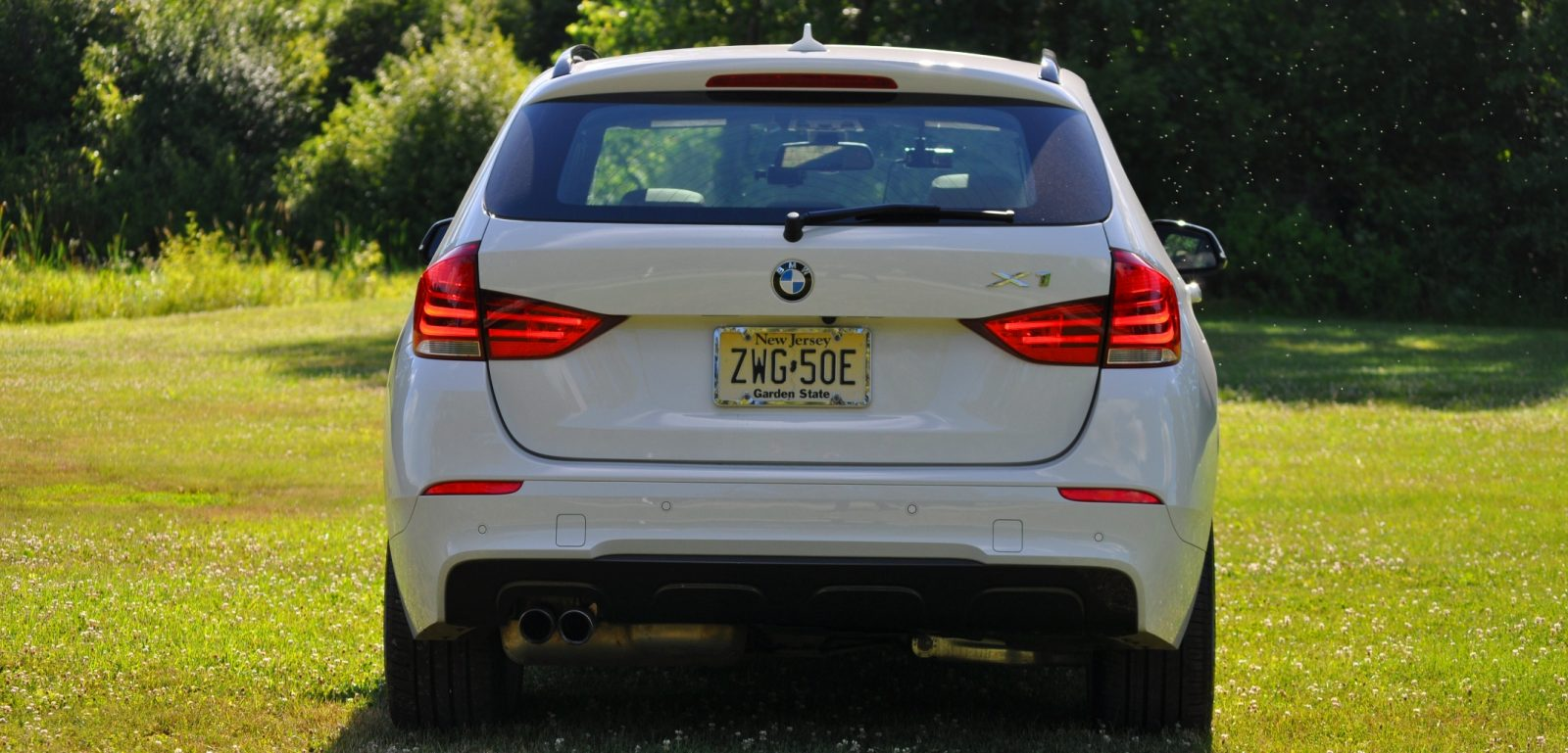 BMW X1 sDrive28i M Sport - Alpine White in 60 High-Res Photos10