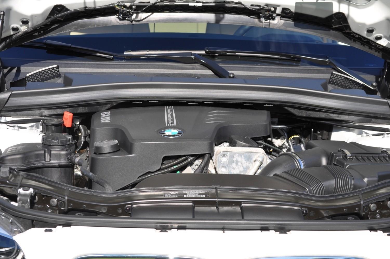 BMW X1 sDrive28i M Sport - Alpine White in 60 High-Res Photos15