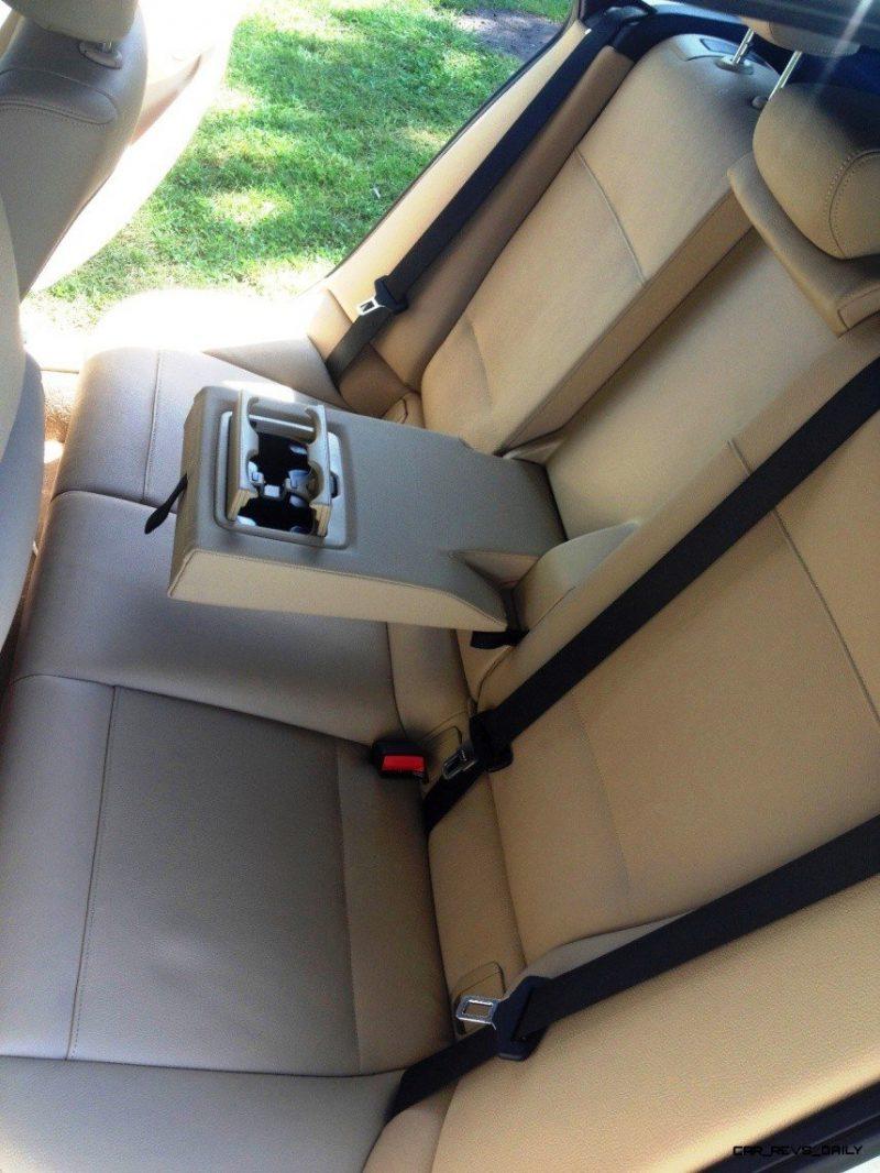 BMW X1 sDrive28i M Sport - Alpine White in 60 High-Res Photos47