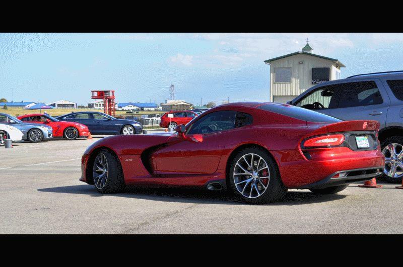 CarRevsDaily.com - 2014 SRT Viper GTS - Huge GIFS Classic