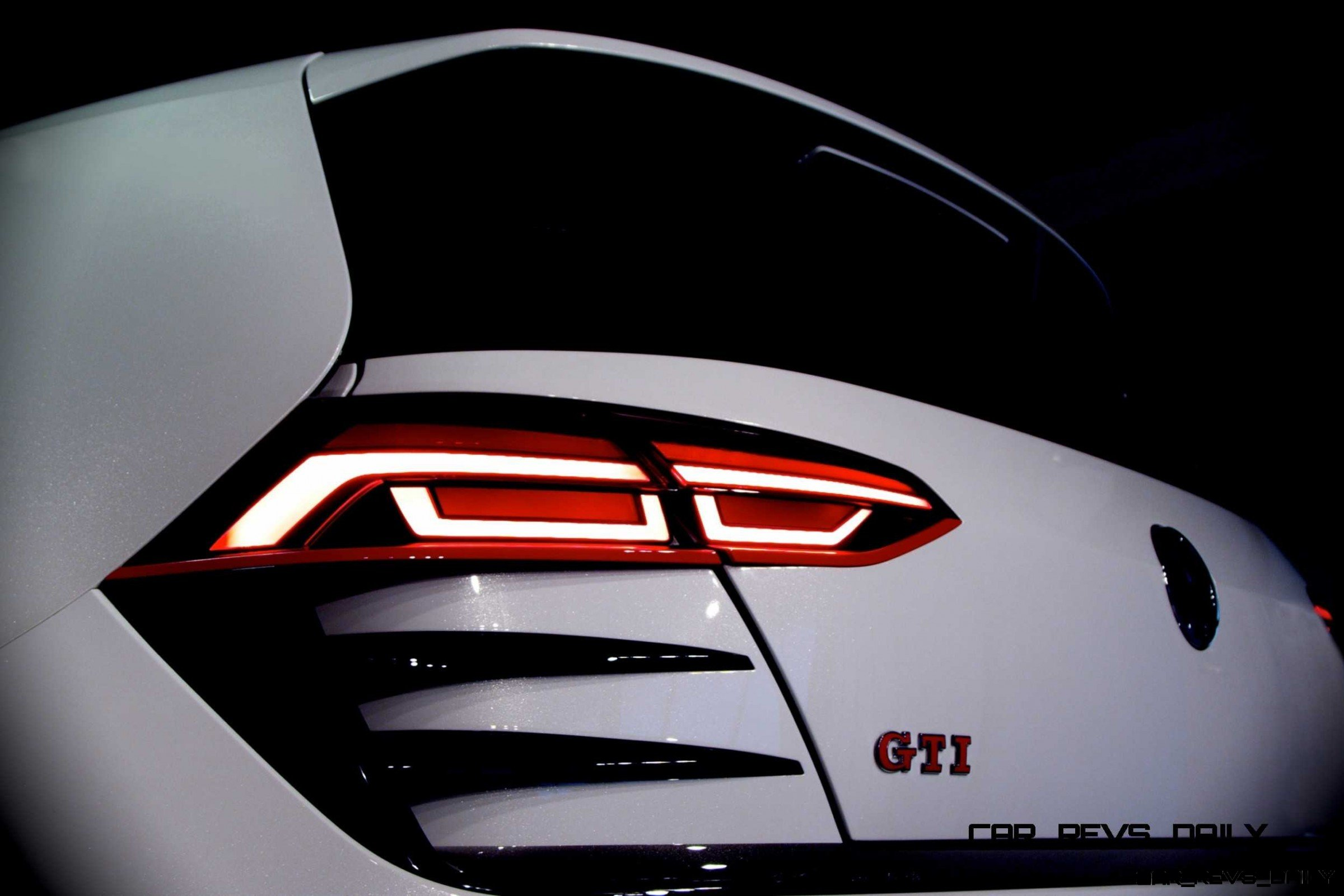 Concept Flashback 2013 VW Design Vision GTI Wants To Eat