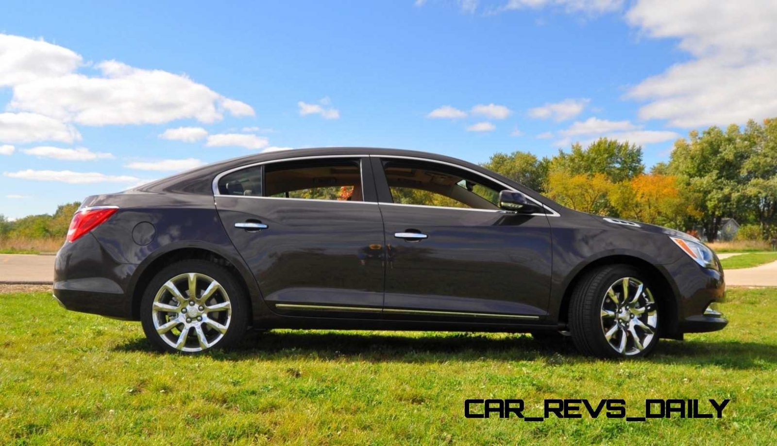 driven car review 2014 buick lacrosse is huge smooth and silent. Black Bedroom Furniture Sets. Home Design Ideas