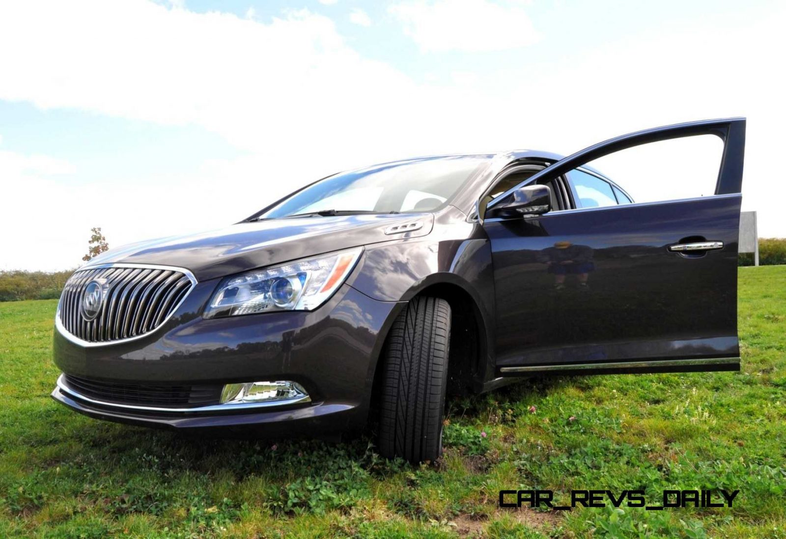 Driven Car Review - 2014 Buick LaCrosse Is Huge, Smooth and Silent5