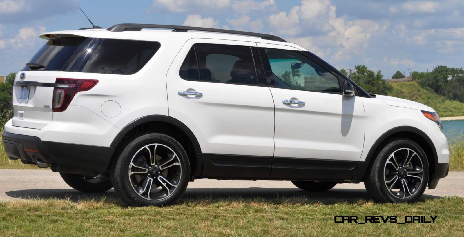 Ford Explorer Sport Photo Showcase And Animated GIF