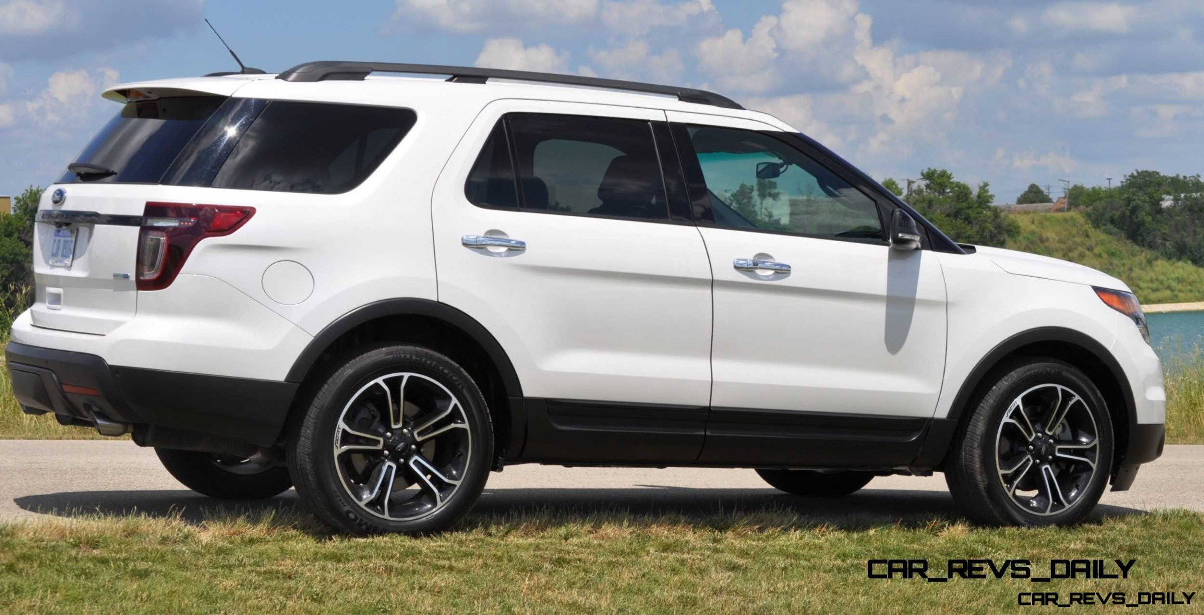 ford explorer sport photo showcase and animated gif. Black Bedroom Furniture Sets. Home Design Ideas