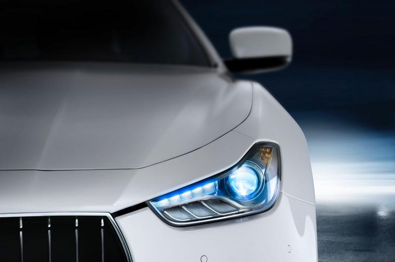 Maserati-Ghibli-dettaglio-Faro-frontale-800x5322