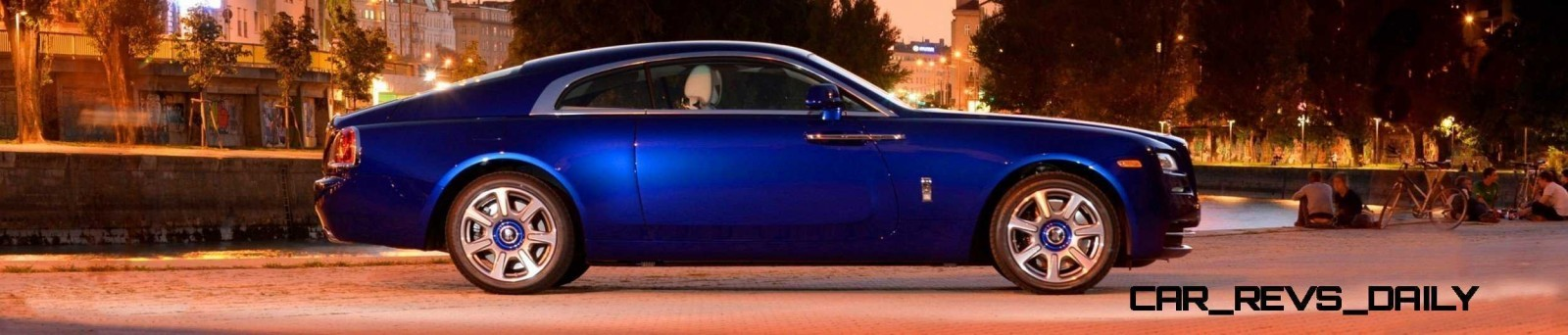 Rolls-Royce Wraith - Color Showcase - Salamanca Blue25