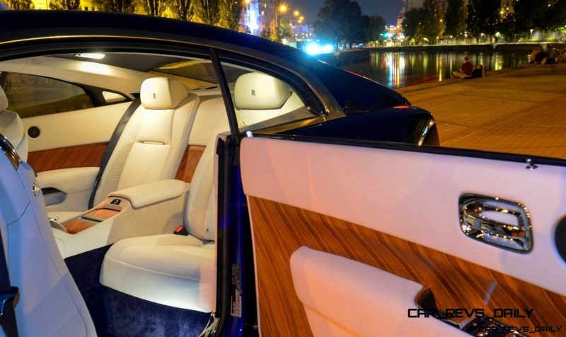 Rolls-Royce Wraith - Color Showcase - Salamanca Blue31
