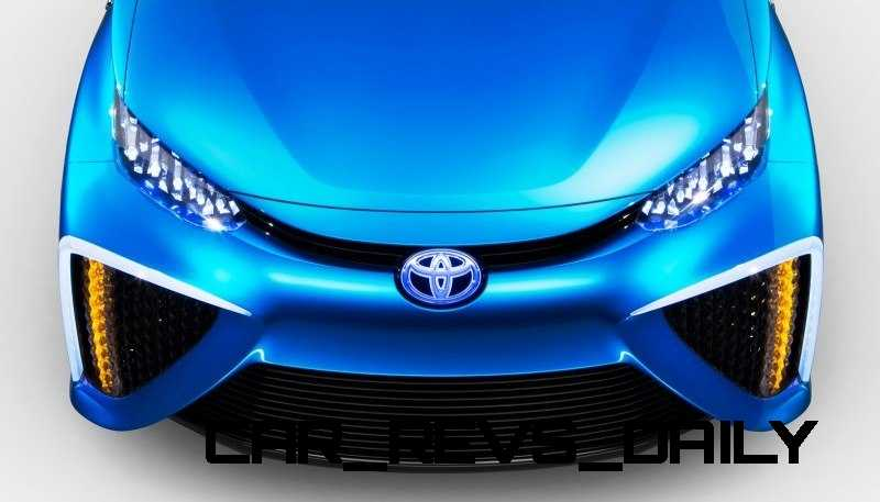 2013_Tokyo_Toyota_FCV_112