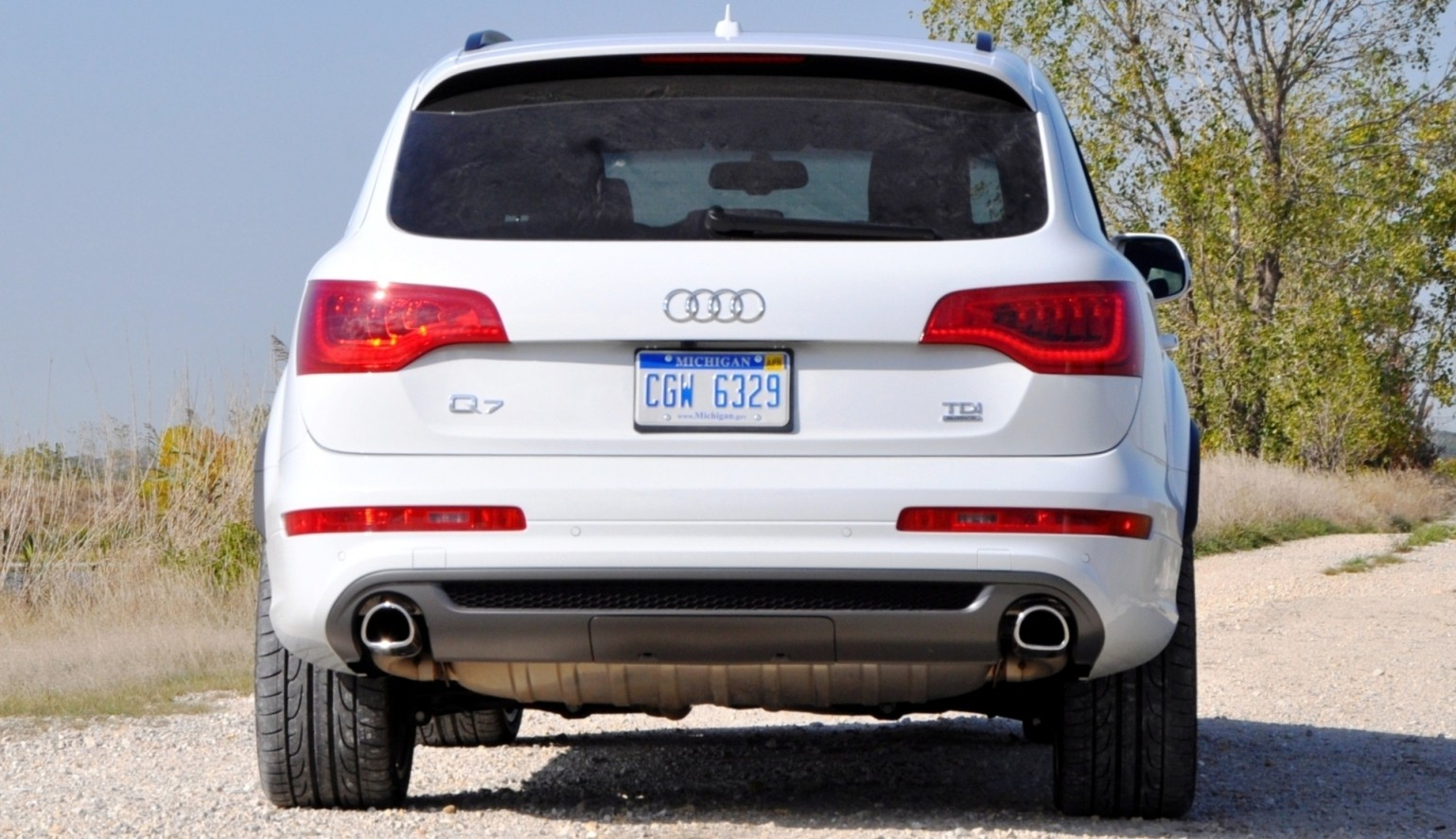 2014 Audi Q7 TDI S-line Plus - Carrara White 26