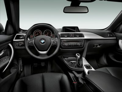 2014 BMW 428i and 435i Make Beautiful, Practical Convertibles 26