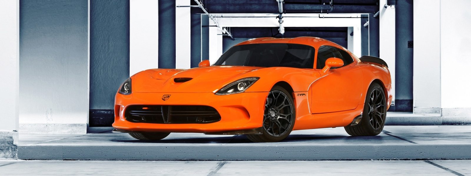 2014 SRT Viper Brings Hot New Styles and Three New Colors29