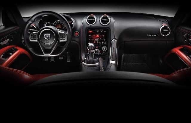 2014 SRT Viper Brings Hot New Styles and Three New Colors4