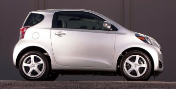 2014-Scion-iQ-Glams-Up