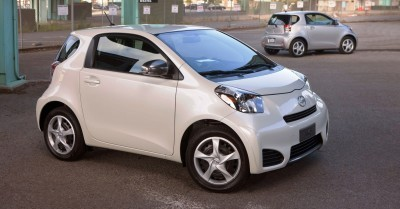 2014 Scion iQ Glams Up With Two-Tone EV and Monogram Editions 10