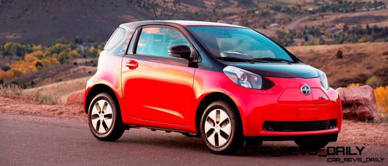 2014 Scion iQ Glams Up With Two-Tone EV and Monogram Editions 16