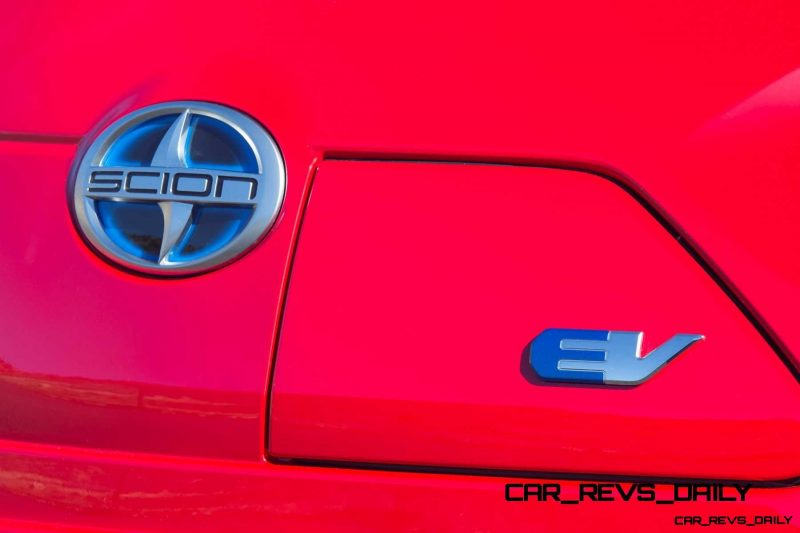 2014 Scion iQ Glams Up With Two-Tone EV and Monogram Editions 22