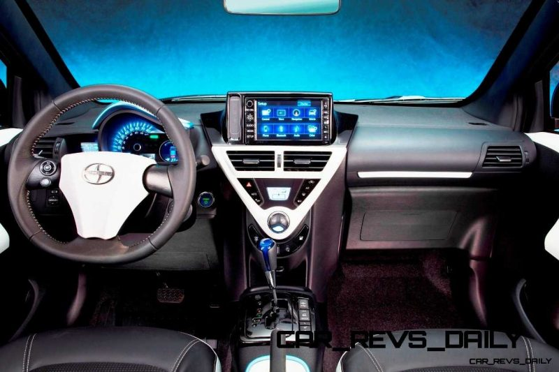 2014 Scion iQ Glams Up With Two-Tone EV and Monogram Editions 26