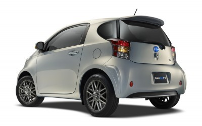 2014 Scion iQ Glams Up With Two-Tone EV and Monogram Editions 46