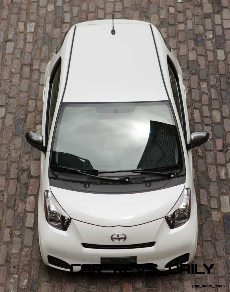 2014 Scion iQ Glams Up With Two-Tone EV and Monogram Editions 8