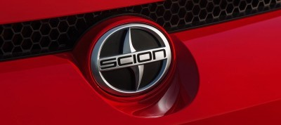 2014 Scion xB Red 12