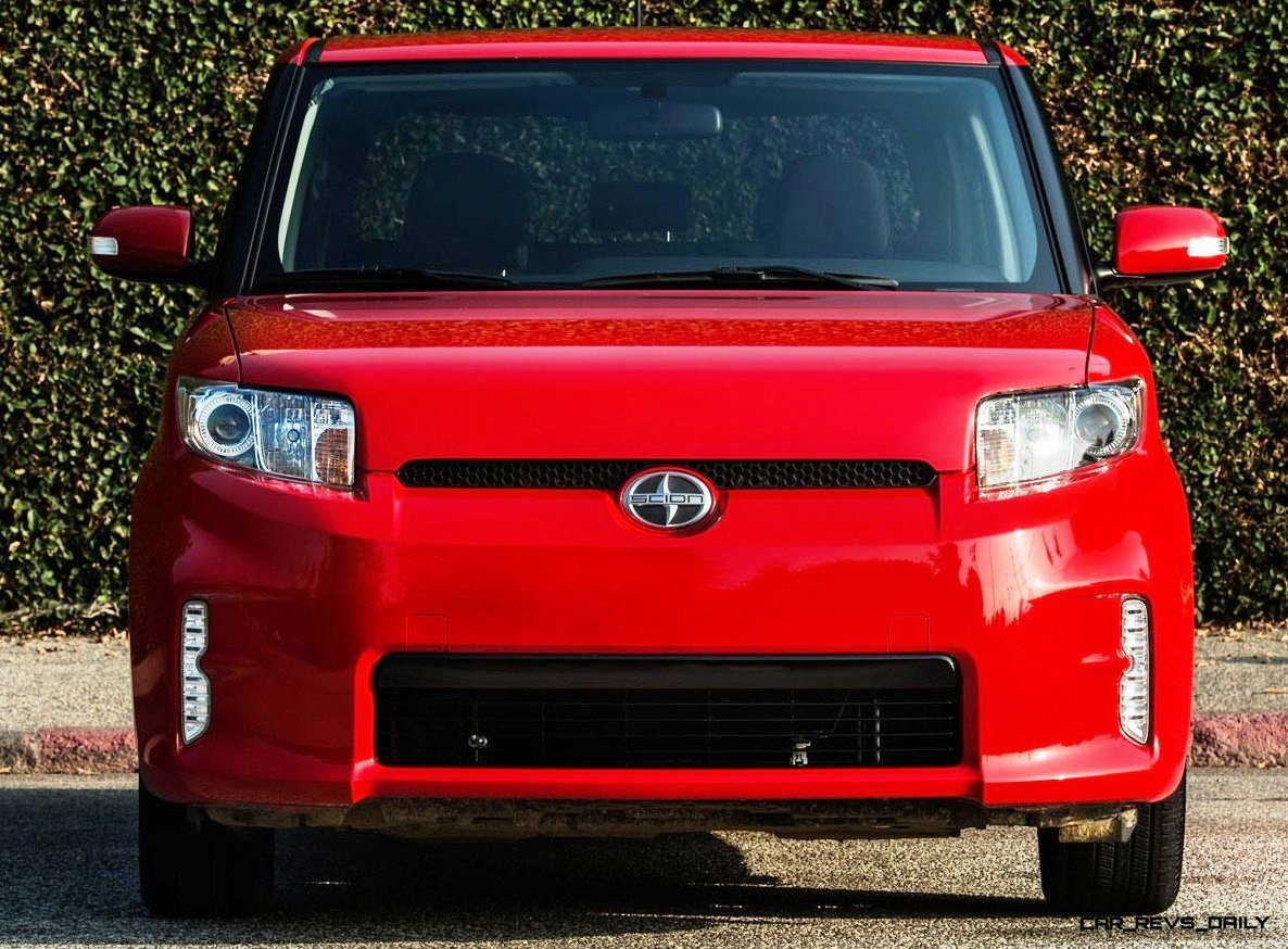 2014 Scion xB Red 7
