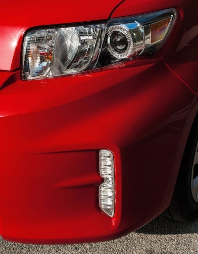 2014 Scion xB Red 8