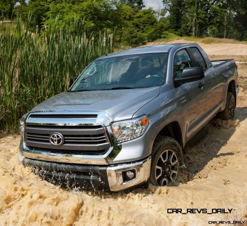 2014_Toyota_Tundra_SR5_011
