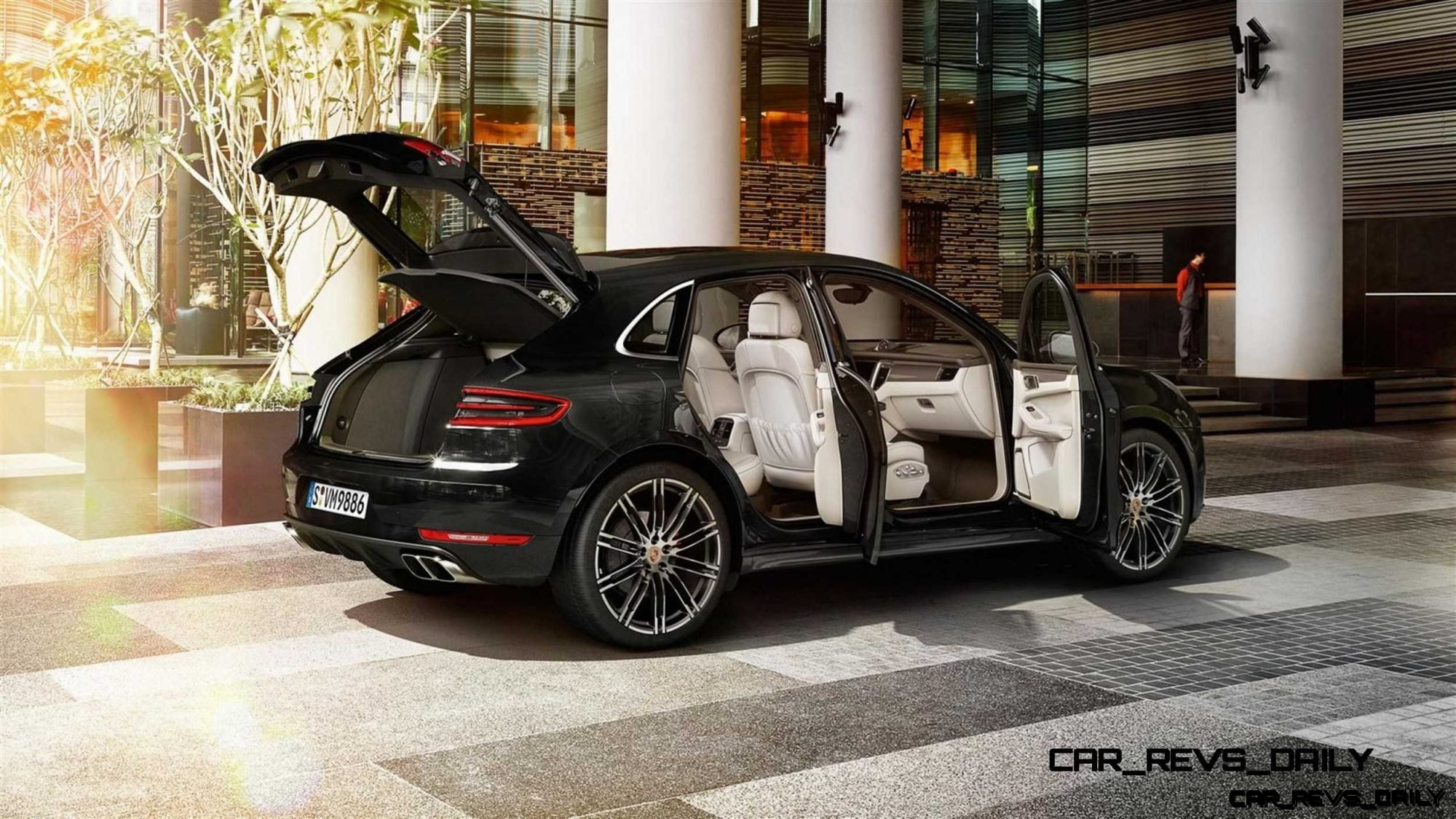 2015 Porsche Macan - Latest Images - CarRevsDaily.com 27
