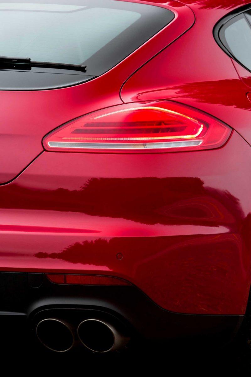 CarRevsDaily - 2014 Porsche Panamera Buyers Guide - Exteriors 54