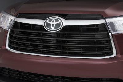 CarRevsDaily - 2014 Toyota Highlander Exterior Photo3