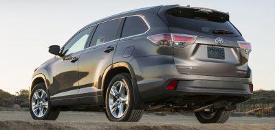 CarRevsDaily - 2014 Toyota Highlander Exterior Photo37